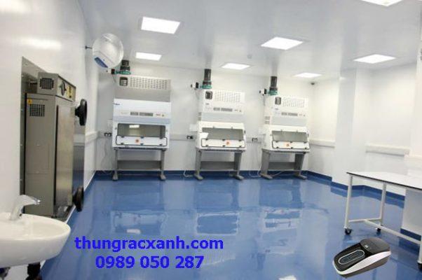 Máy bọc giày ứng dụng trong phòng sạch